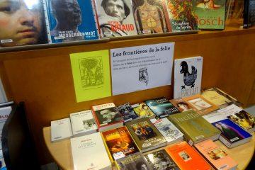 livres exposés à vendre